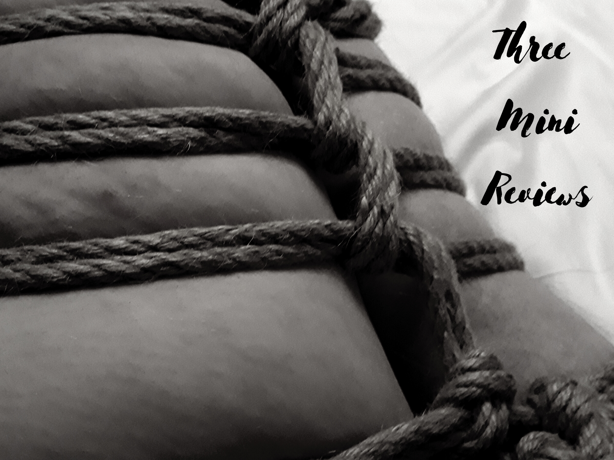 [Kink Product Review] Three Mini Reviews: Cuffs, Rope, Paddle