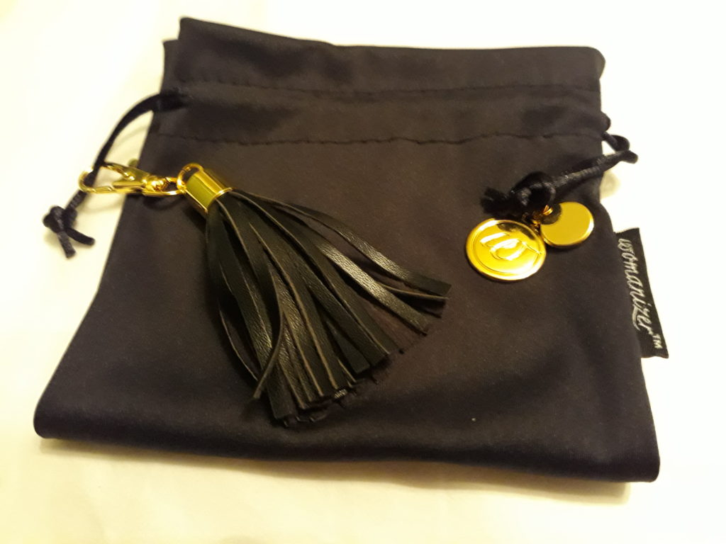 The Womanizer Duo's storage pouch
