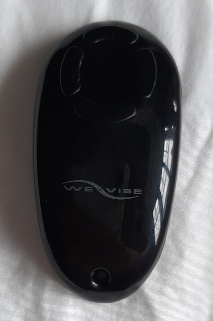 Remote control for a remote control couples vibrator