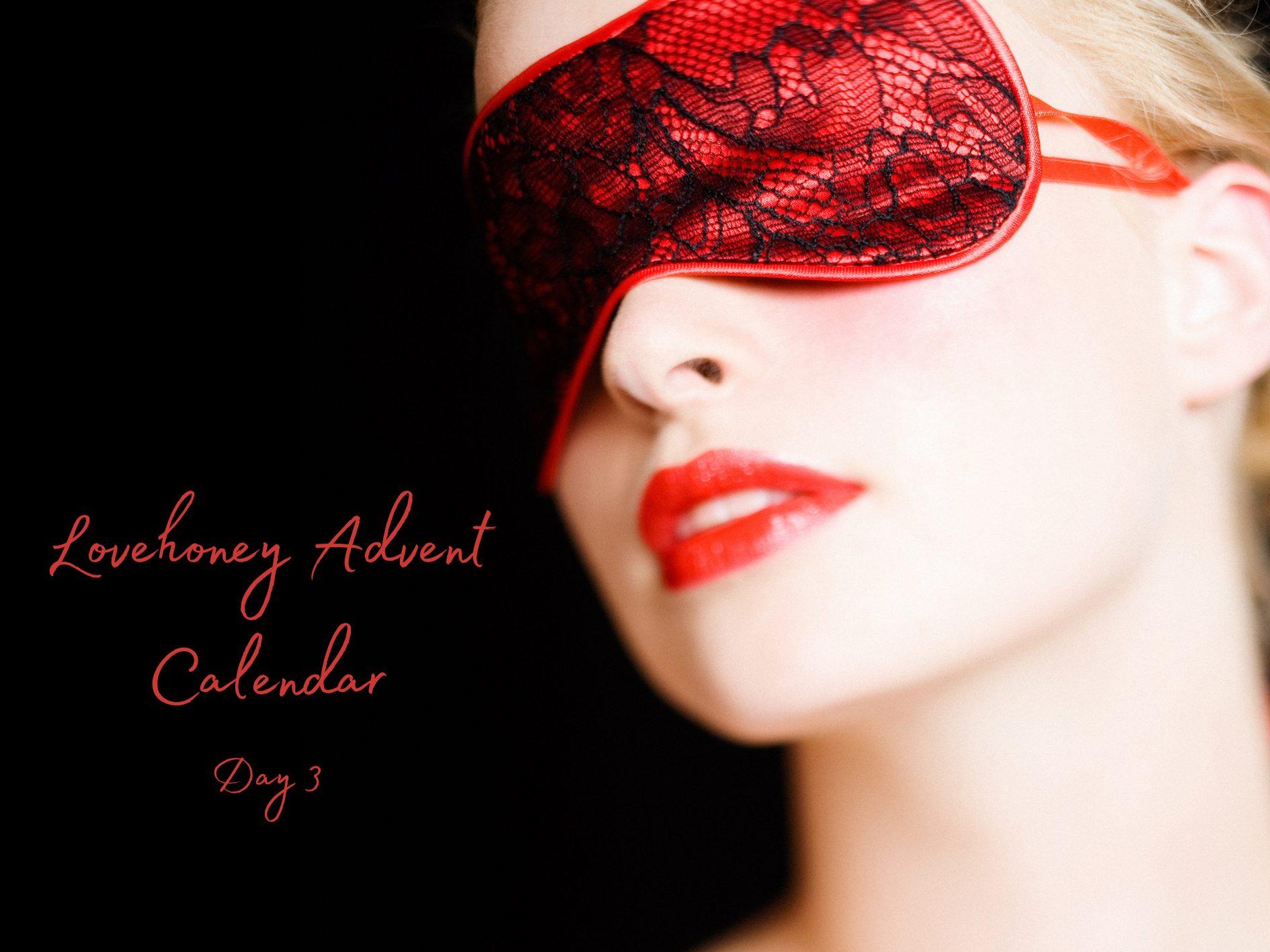 Lovehoney Sex Toy Advent Calendar Door #3: Starry Eyed Blindfold