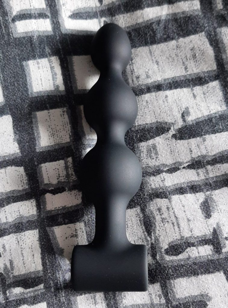 Black silicone anal beads